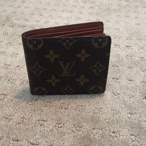 012b12db3b44 Louis Vuitton Bags - Lois Vuitton Wallet